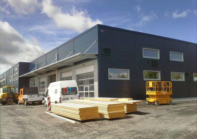 Neubau eines Autohauses mit Werkstättenbereich